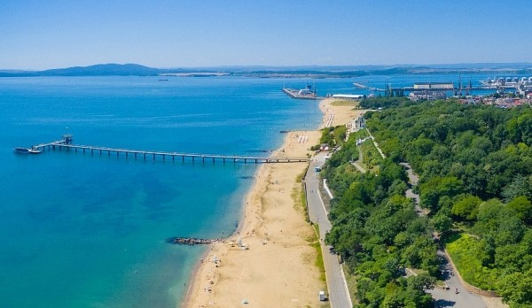 6e13e9223c74b0065b1c22e75cb4eb52 - Российские туристы в Болгарии восторжены 30-градусной жарой, тёплым морем и полупустыми пляжами