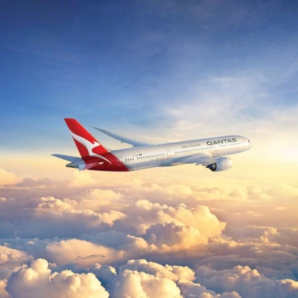 66055a7e1caec107aae2917146fb780b - Авиакомпания Qantas создала проект «Восхода солнца», когда пассажиры на борту увидели 2 восхода солнца — в Европе и Азии