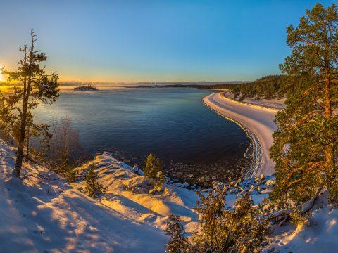 757e9124685e 480x360 - День влюбленных на берегу карельского озера (вечерний выезд)