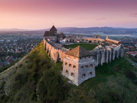 1565871114 k9mU0WEQZ md 480x360 - Венгрия: крепость Шюмег