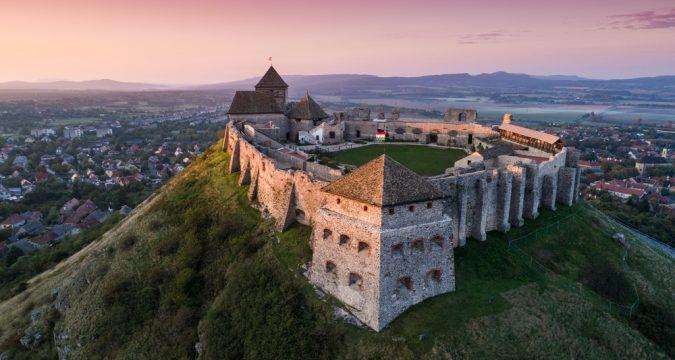 1565871114 k9mU0WEQZ md 675x360 - Венгрия: крепость Шюмег