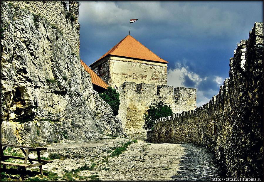 Vkhod v krepost - Венгрия: крепость Шюмег