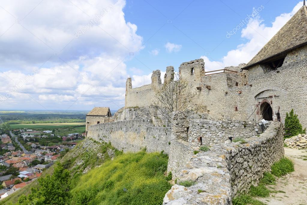 depositphotos 49000253 stock photo sumeg fortress - Венгрия: крепость Шюмег