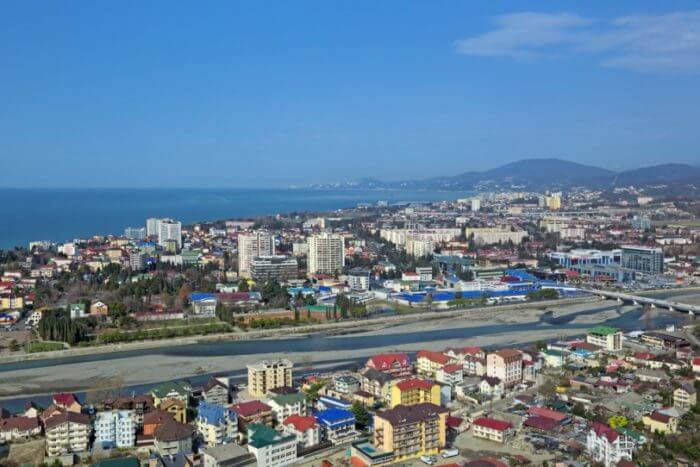 adler 700x467 1 - 18 лучших курортов Краснодарского края