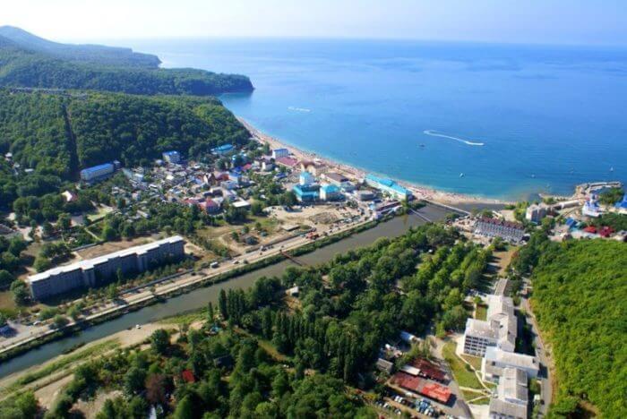 novomihajlovskij 700x468 1 - 18 лучших курортов Краснодарского края
