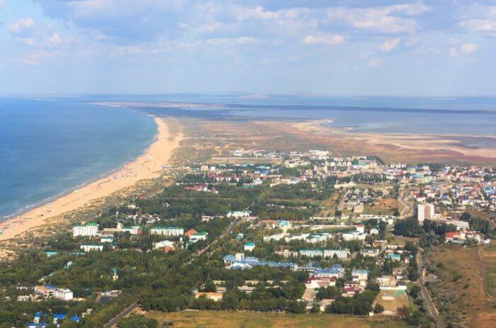 vityazevo 700x463 1 - 18 лучших курортов Краснодарского края