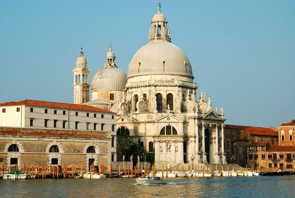 Cathedral of Santa Maria della Salute - Что посмотреть в Венеции за 4 дня — 30 самых интересных