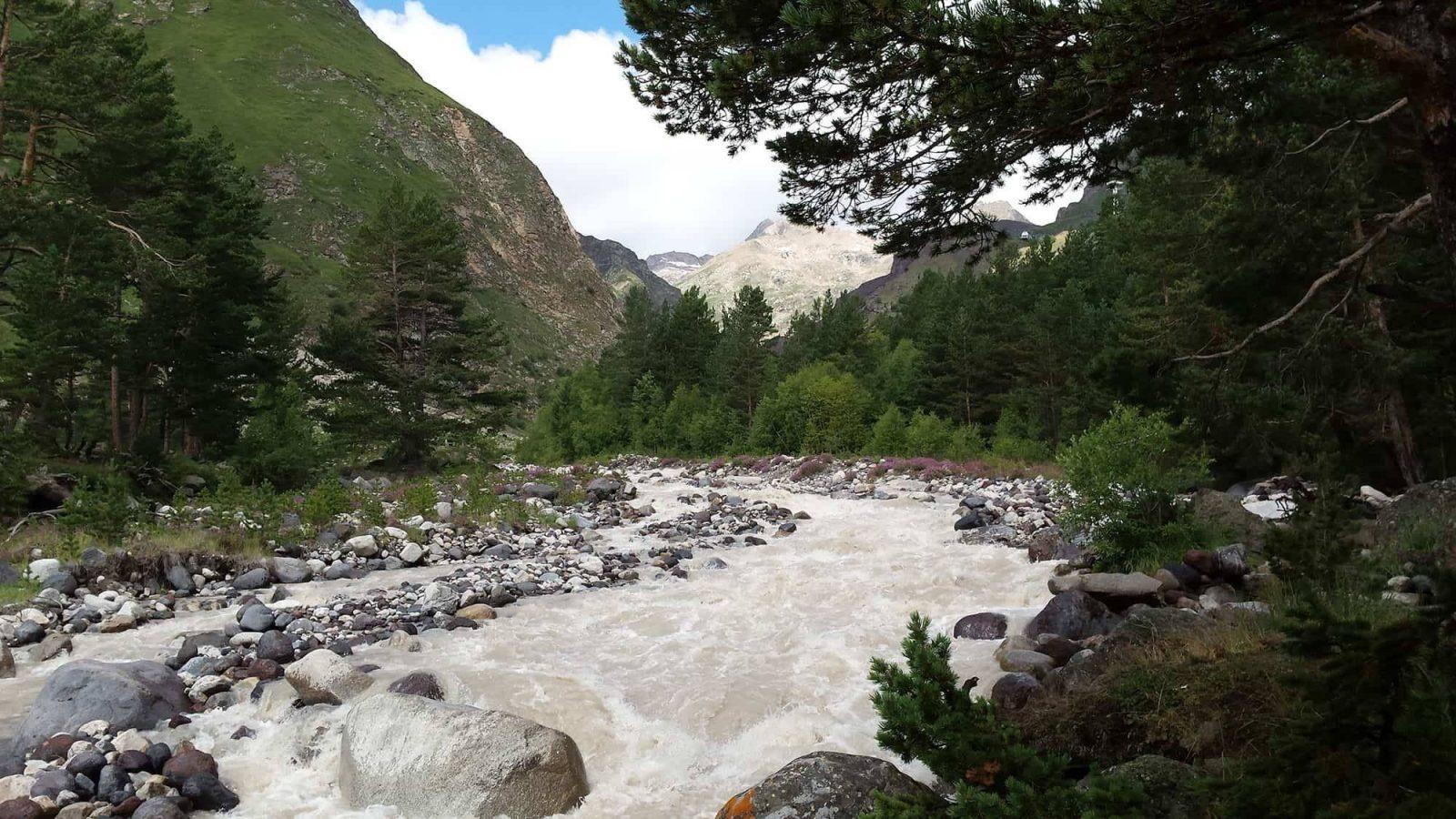 Trekking v prielbrusye 12 1558959954 - Акварель Кавказских гор Треккинг на юге Приэльбрусья