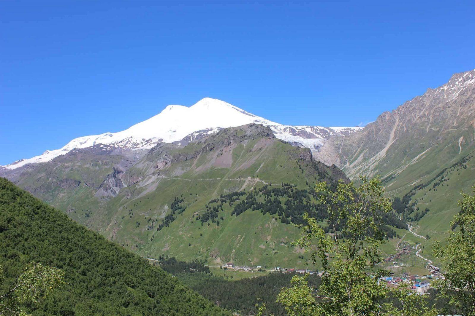 Trekking v prielbrusye 4 1558959954 - Акварель Кавказских гор Треккинг на юге Приэльбрусья