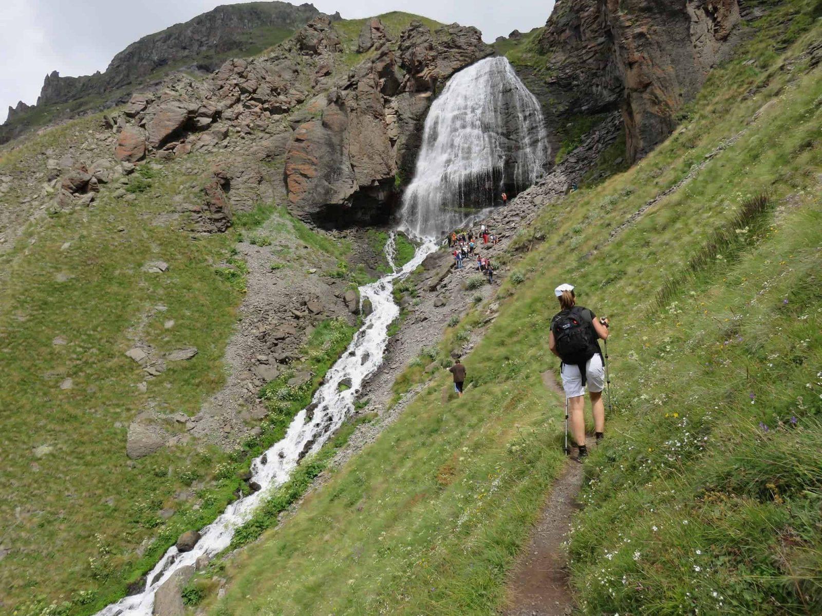 Trekking v prielbrusye 6 1558959761 - Акварель Кавказских гор Треккинг на юге Приэльбрусья