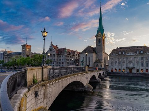 bridge 480x360 - Швейцария отменяет карантин для россиян