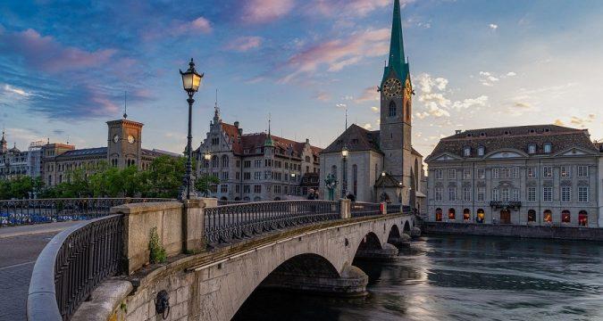 bridge 675x360 - Швейцария отменяет карантин для россиян
