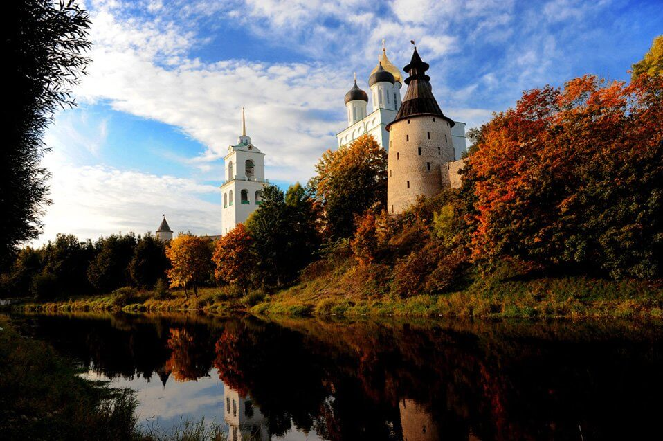CmEYDErUYAAA 8a - Под шелест листьев... Осенняя пора в России