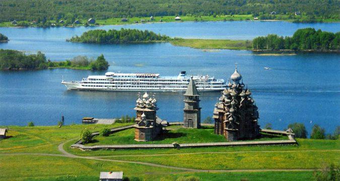 1429780991 675x360 - Популярные экскурсии по России